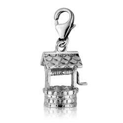 18kt White Gold Well Charm Pendant