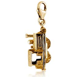 18kt Yellow Gold Train Charm Pendant