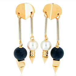 Forward-looking Pearl & Onyx Ball 14kt Yellow Gold Earring Set