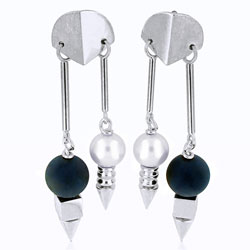 Ultramodern Pearl & Onyx Ball 14kt White Gold Earring Set