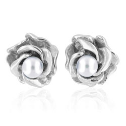 Timeless Blossoming Rose Pearl Earrings in 18kt White Gold