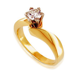Noteworthy 18kt Yellow Gold Diamond Engagement Ring