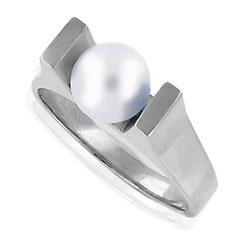 Simple Stylish 14kt White Gold Pearl Ring